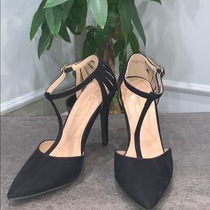 Black Pointy Toe Heels. Size 7.5